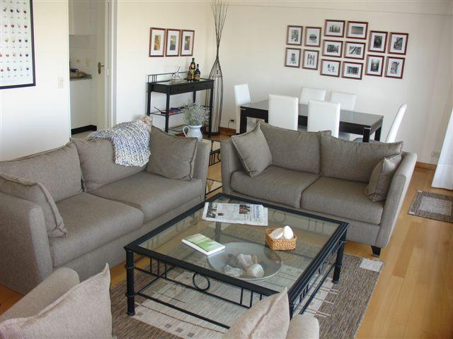 Baños Con Vestidor Incluido:200m2 aprox , con cochera  3 dormitorios, uno en suite con vestidor